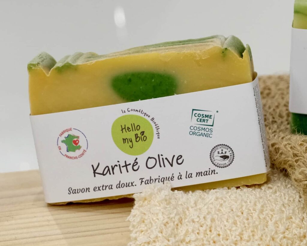 "<img src=""savon-saf-e1626700670462.jpg"" alt=""savon karité olive""/>"