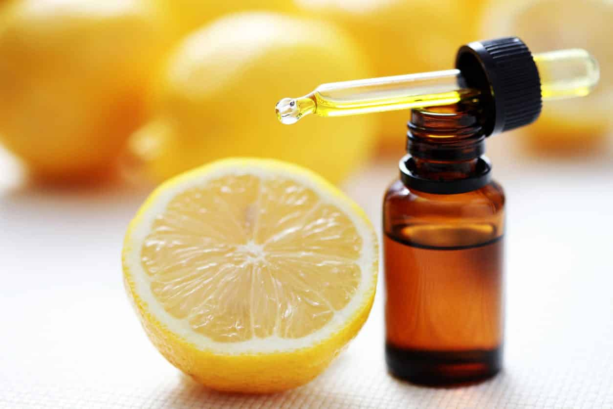 "<img src=""huileessentiellecitron.jpg"" alt=""huile essentielle de citron jaune""/>"